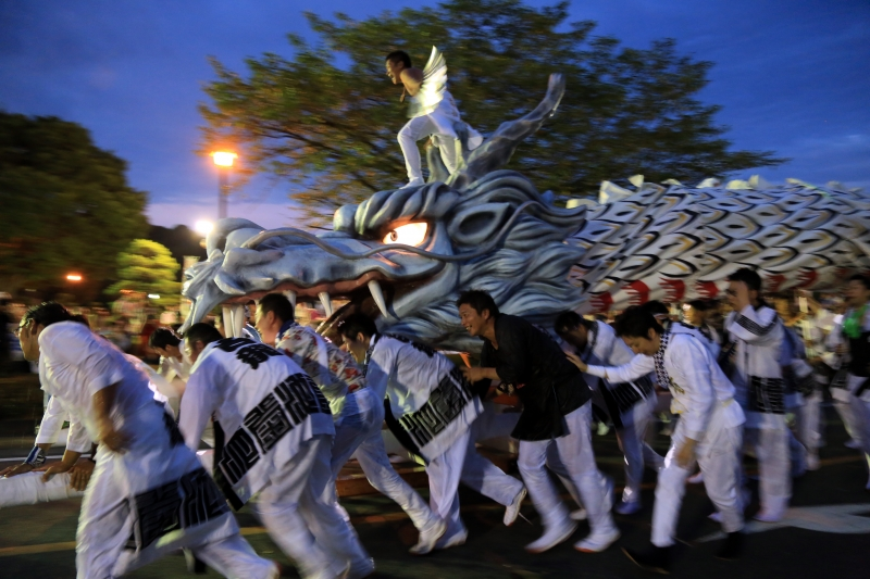 White Dragon Dance
